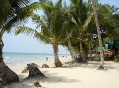 The 2nd largest island of Thailand. .The place is becoming populated with tourists over the last few years. This is one of the beautiful island with long sandy beaches, most half deserted. This place offers wide range of wildlife. Snakes, deer and elephant can easily found here..