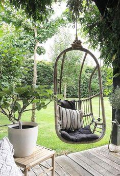 wooden deck with bamboo patio swing wooden deck with bamboo patio swing Diy Garden, Garden Landscaping, Home And Garden, Fence Garden, Shade Garden, Outdoor Rooms, Outdoor Gardens, Outdoor Living, Bamboo Trellis