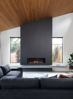 Living Room Decor Fireplace, Home Fireplace, Modern Fireplace, Fireplace Surrounds, Home Living Room, Living Room Designs, Contemporary Fireplace Designs, Modern House Design, Great Rooms