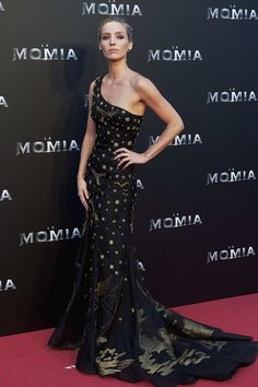 Actress Annabelle Wallis in Aberta Ferretti Fall 2017 attends 'The Mummy' (La Momia) premiere at the Callao cinema on May 29, 2017 in Madrid, Spain.