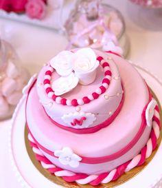 Gâteaux personnalisés, Paris,Gourmandise, Anniversaire, Gâteau d'anniversaire, Cake design Paris, Birthday cake, Pièce montée, Rose, Fleurs, Noeud, Ruban, Girly