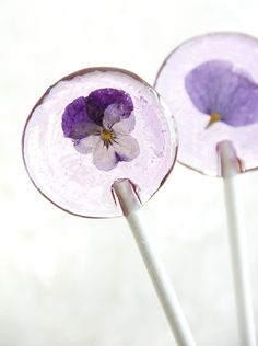 "This may be an ""unhealthy"" dessert, but what a pretty one!! Pansy in a pop. I love this!"