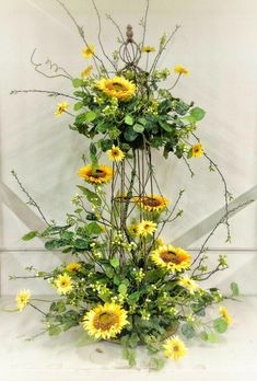 Sunflower Table Centerpiece - Designed by Kevin Roberts. Great for Barn Weddings and Country themed events. Goes well with Burlap accents. Sunflower Table Centerpieces, Sunflower Floral Arrangements, Table Flower Arrangements, Wedding Flower Arrangements, Yellow Wedding Flowers, Wedding Table Flowers, Wedding Table Settings, Wedding Decorations, Seating Arrangement Wedding