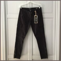 """20% off!  HP! NWT Cool Black Zipper Skinny Jeans 7/8 Host Pick! """"Work week Chic ! Cute Ankle Zippers, flap pockets! two side pockets, Two flat front pockets! Cute leg design I cannot get in the pic! These are fantastic! Made to perfection! I have these! When I tried them on I bought two pair! My shopaholic personality! These are an 8 inch rise and 28inseam 7/8 HP chosen by @mickydkat please go check out her fabulous closet!  Boutique Pants Skinny"""
