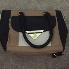 Steve Madden purse Steve Madden purse, used once, looks brand new Steve Madden Bags
