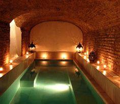 5 Cosas que únicamente podrás hacer en #Sevilla. Foto: Aire de Sevilla - baños árabes