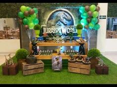 Know together with me the best ideas to organize a jurassic world party, one of the most emblematic topics at the moment since a super successful sequel Birthday Party At Park, 6th Birthday Parties, Birthday Party Decorations, 8th Birthday, Dinosaur Birthday Cakes, Dinosaur Party, Festa Jurassic Park, Party Time, Party Printables