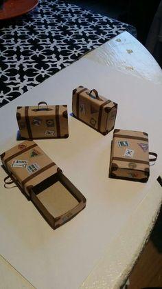 Resväska för t.ex. resepresentkortet av en tändsticksask.