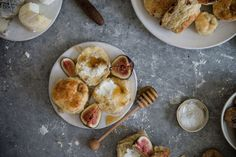 fig goat cheese & honey biscuits coolinaria.es #food #foodporn #foodies