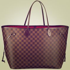 Looking to buy a neverfull mm or Gm bag good condition at a good price. Looking to spend 600-900 Louis Vuitton Bags Shoulder Bags