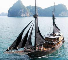 Black Sails www.annamariaislandhomerental.com Facebook: Anna Maria Island Beach Life Twitter: AMIHomerental