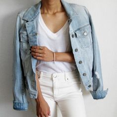 A classic denim jacket is one purchase you won't regret. The staple looks chic draped over a Summer party dress and cozy when paired with a chunky Fall scarf. Looks Chic, Looks Style, My Style, Spring Summer Fashion, Autumn Fashion, Jean Jacket Outfits, White Denim, White White, Blue Denim