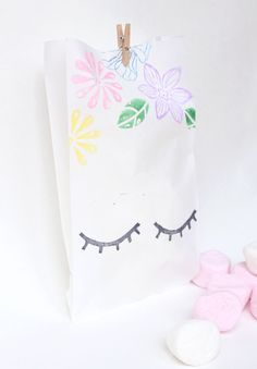 10 x UNICORN Party Favour Bags - Paper bags, Unicorn, sleeping unicorn, unicorn party, unicorn theme by adelles on Etsy https://www.etsy.com/listing/488962352/10-x-unicorn-party-favour-bags-paper