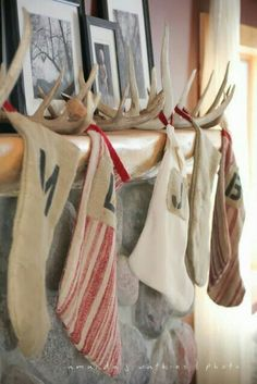 The Best DIY Christmas Stocking Hangers and Display Ideas – Cheap and Easy Handmade Holiday Decorations! Cabin Christmas, Country Christmas, Winter Christmas, Merry Christmas, Xmas, Christmas Island, Christmas Mantles, Christmas Tree With Antlers, Christmas 2019