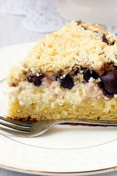 Blueberry Sour Cream Coffee Cake Recipe with Brown Sugar and Pecans