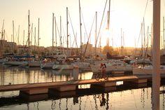 #portugal #hafen #schiffe San Francisco Skyline, New York Skyline, Portugal, Travel, Ships, Viajes, Traveling, Tourism, Outdoor Travel