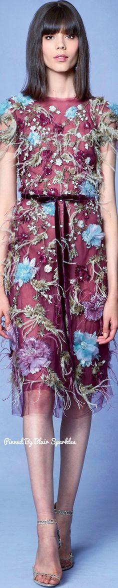 Marchesa Resort 2018 Collection - Share The Looks Fashion 2018, Party Fashion, Spring Fashion, High Fashion, Fashion Art, Georgina Chapman, Floral Fashion, Fashion Design, Vintage Couture