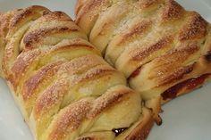 Pão recheado com goiabada