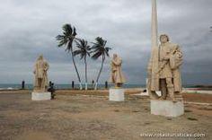 Estatuas dos descobridores de São Tomé ao Forte de São Sebastião, São  Tomé