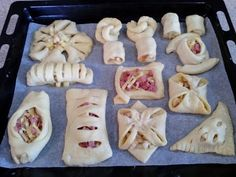 10 ВАРИАНТОВ СЛОЕК! Выпечка из слоёного теста, формирование слоек - YouTube // Elena Rusak Samosas, Braided Bread, Savoury Baking, Bread And Pastries, Cook At Home, Croissant, Desert Recipes, Food Photo, Afternoon Tea