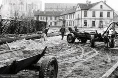 Zdjęcie numer 9 w galerii - Jak kiedyś wyglądał Białystok? Nowa porcja unikalnych zdjęć Antoniego Zdrodowskiego Antique Cars, Antiques, Historia, Fotografia, Vintage Cars, Antiquities, Antique, Old Stuff