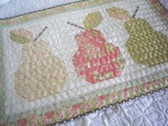 A Quilting Life - a quilt blog: Pear Block Wall Hanging