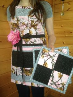 Pink Realtree Camo apron and potholder set with a by ItsSewperCute, $45.00