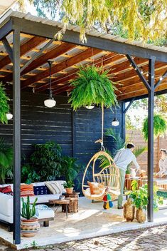 Backyard Ideas Discover 25 Ways to Turn Your Deck Into an Outdoor Paradise 10 Best Deck Design Ideas - Beautiful Outdoor Deck Styles to Try Now Backyard Patio Designs, Pergola Designs, Small Patio Design, Backyard Decorations, Terrace Design, Small Backyard Landscaping, Outdoor Rooms, Outdoor Living, Outdoor Patio Rugs