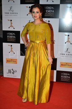 Dia Mirza and Nimrat Kaur attended the L'Oreal Paris Femina Women Awards 2014 held today. Dia presented an award to Pavithra YS for her contribution i. Bollywood Style, Bollywood Fashion, Indian Attire, Indian Wear, Indian Dresses, Indian Outfits, Anarkali, Saree, Neeta Lulla