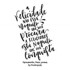 Sexta-feira é dia de poesia no @rockerposts.  Essa foi feita em parceria com @pensamentos_frases_poemas  Obrigado e parabéns.  #poesiadesexta #frases #trechos #poesia #frassysparcerias #quotes #inspiração . . . #caligrafia #calligraphy #feitoamao #TYxCA #freehand #handmade #moderncalligraphy #typespire #handlettering #lettering #typography #typostrate #design #art #style #goodtype #customtype #inspiration #typism #brushpen #brushlettering #motivation