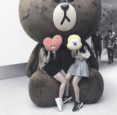 Bff Pictures, Best Friend Pictures, Bff Girls, Cute Girls, Ulzzang Couple, Ulzzang Girl, Korean Best Friends, Girl Friendship, Korean Couple