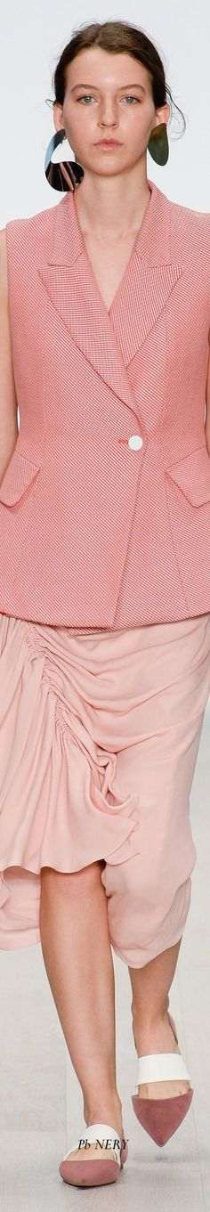 Bianca Spender Australia Resort 2018 Fashion 2020, High Fashion, Coral Colour, Coral Fashion, Button Button, Resort Style, Spring Summer 2018, Pretty In Pink, Flamingo