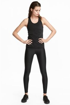 Ankle-length sports tights in fast-drying fabric with wide ribbing at the waist with an integral key pocket. H&m Fashion, Fashion Online, Black Tights, Black Jeans, Sport Tights, Ankle Length, Black Women, Jumpsuit, Sporty