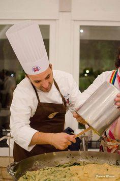#DanieleChefadomicilio ha risposto presente alla chiamata per l'evento BY PUGLIA organizzato ad Alberobello con più di 100 operatori del turismo !  Un ringraziamento all' Agit Associazione Giovani Imprenditori del Turismo ed a PHederica Mancini