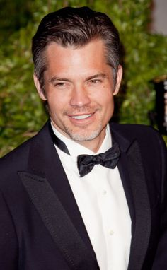 My newest crush... Timothy Olyphant! He's starring in the series Justified on FX. He has smiling eyes.