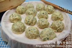 K Food, Food Art, Eating Light, Asian Recipes, Ethnic Recipes, New Menu, Korean Food, Deserts, Food And Drink
