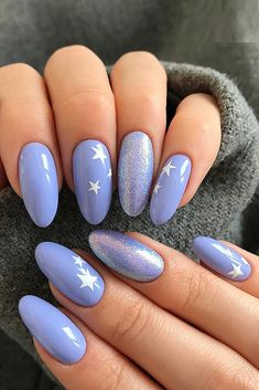 Oval nail art design is one of the most classic nail shapes. Oval nails are suitable for any occasion. They are the most suitable nail shapes for everyday life. Today, I have collected 33 o Best Nail Art Designs, Nail Designs Spring, Oval Nail Designs, Simple Nail Art Designs, Long Nails, My Nails, Dark Nails, Short Oval Nails, Oval Nail Art