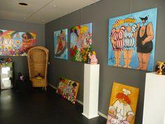 """Zomer-expositie """"Volop Vrouw"""" met schilderijen van Susan Ruiter en  Julia Woning en beelden van Gertruud Hartog"""