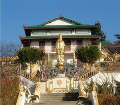 Temple Bouddhiste, Sainte-Foy-les-Lyon Ville France, Lyon France, Sainte Foy, Temple, Mansions, Architecture, House Styles, City, Buddhists