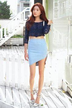 斜めアンバランスデニムタイトスカート。 デニムなのにセクシーに着れるタイトスカートです。[Stylenanda]