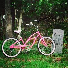 Mile marker on  Springs Fireplace Rd. (Springs) East Hampton, N.Y.  Photo: Lauren Loughlin-Belhumeur