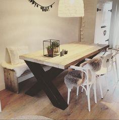Steigerhouten tafel Vincent met kruispoot