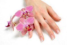 MANOS DE SEDA. Las manos juegan un papel muy importante en el lenguaje de los gestos. Tus manos hablan de ti.   Mímalas con la Crema HP Seda formulada en base al hidrolizado de seda que favorece la regeneración celular, previene el agrietamiento de la piel, el envejecimiento prematuro y la aparición de manchas gracias a la combinación de filtros (FPS15) y vitamina E.  *** Producto en PROMOCIÓN en nuestra Tienda Online *** http://www.magisterformula.com/producto/crema-de-manos-hp-seda-duplo/
