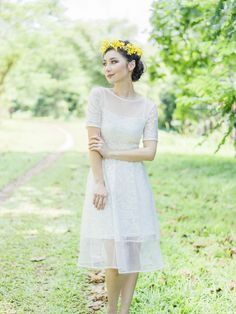 A dainty flower crown in a bright pop of yellow substitutes a traditional bridesmaid's bouquet // Styling Your Bridesmaids: Dreamy Dresses + Florals Bridesmaid Dress Styles, Bridesmaid Bouquet, Bridesmaids, Tea Length Wedding Dress, Wedding Dresses, White Weddings, Hair Flowers, Bridal Session, Flower Crowns