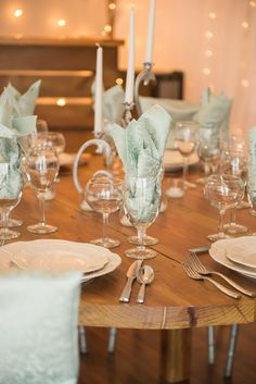 Mint Tavira napkins and chiavari chair caps by Creative Coverings, table design by Camelot Party Rentals