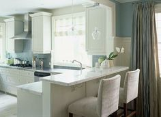 eat-in kitchen: more white, more light...