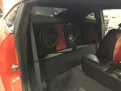 It's Thursday! So let's throw back to December 2015 and this awesome custom audio installation by the team at our North Dixie location, Stereo-In-Dash! This twin turbo 5th gen Camaro makes 1000+HP and brings the bass with two JL Audio 12W7-3 subwoofers and three JL Audio amps all housed in a custom enclosure and amp rack.  #CCSDayton #CaliforniaCustomSounds #StereoInDash #JLAudio #HowWePlay #subwoofer #bass #Chevy #Camaro
