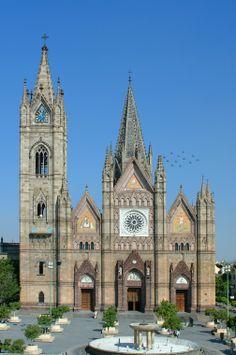 ¿Conoces el #Tempo Expiatorio del Santísimo Sacramento? Descúbrelo en la ciudad de #Guadalajara, #Mexico. http://www.bestday.com.mx/Guadalajara/ReservaHoteles/