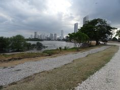 high tide (of Pacific level in acient Panama City)