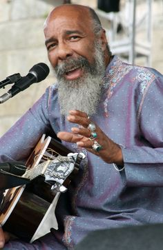 R.I.P. Richie Havens (January 21, 1941 - April 22, 2013).  I still have his autograph.  I think he was wonderful!